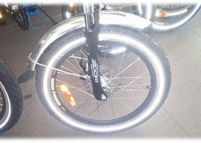 """צמיג 20"""" kenda e bike פס זוהר"""